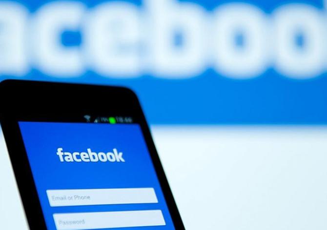 SANDI + - активний користувач соціальних мереж
