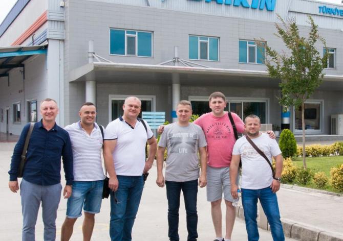 Поїздка для партнерів SANDI + на завод Daikin